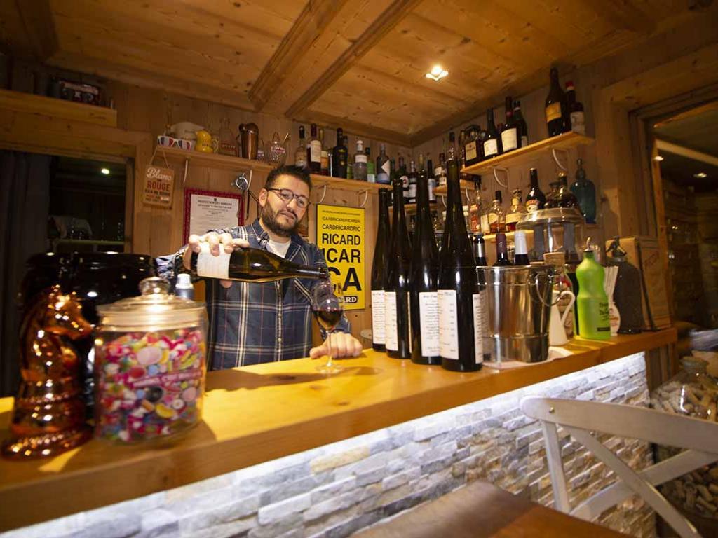 François, Bar à vin Comme chez soi à Megève