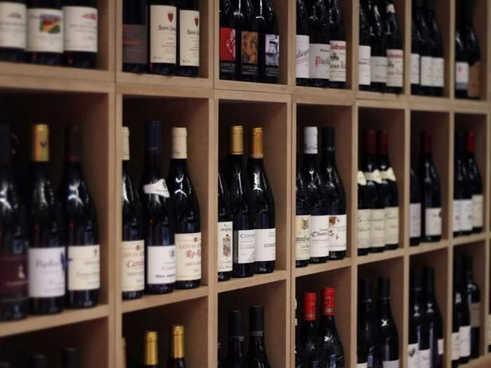 Le Bouchon Bleu : un large choix de vins de tous les vignobles de France.