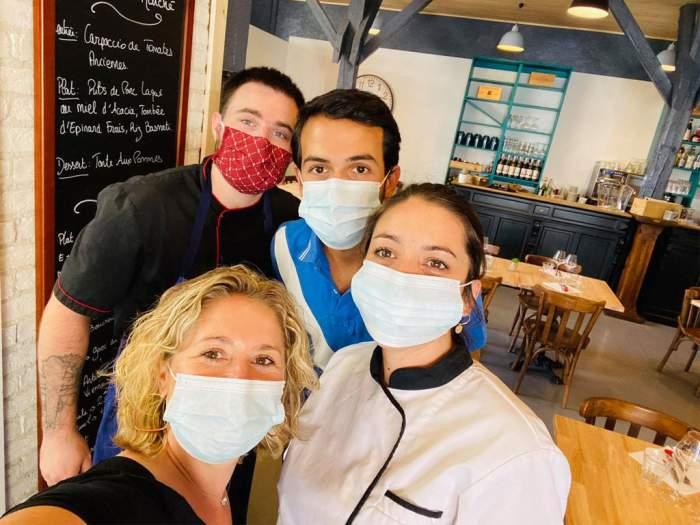 L'équipe du Restaurant Agalyne à Clermont-Ferrand : fin prête à vous accueillir !