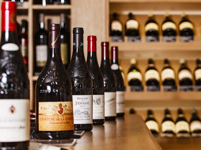Maison des Vins Cave à vins à Saint Laurent des Arbres