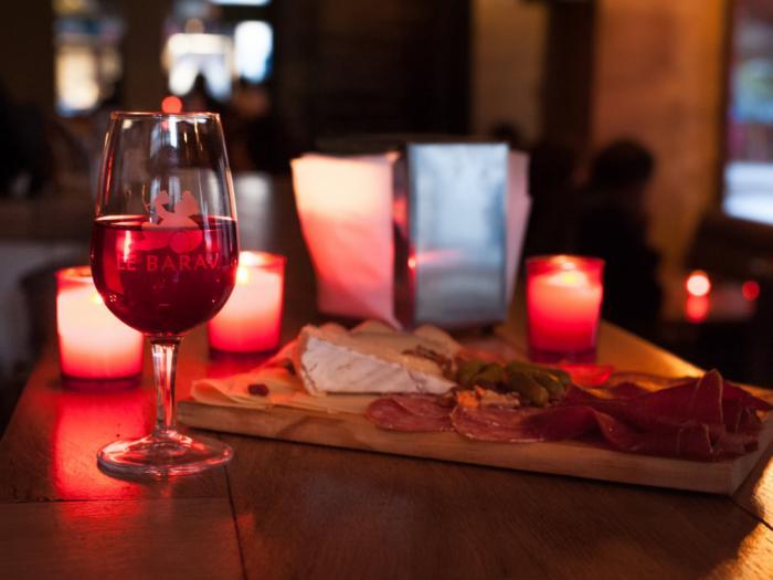 Le Barav Caviste Bar à vin à Paris